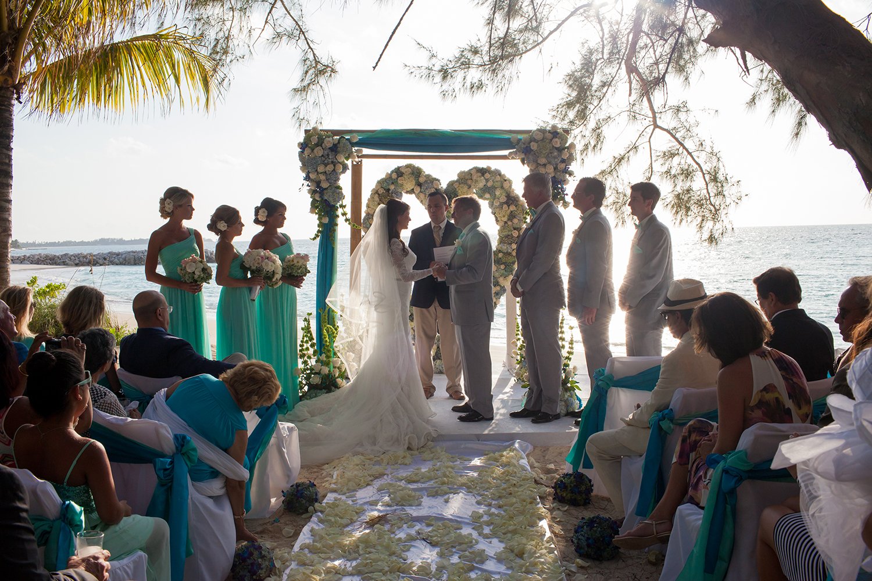 beach-wedding-old-fort-bay-15