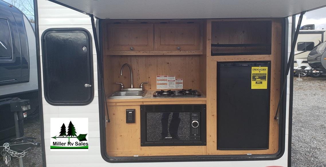 129 Sunray rear kitchen