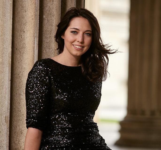 Opernsängerin und Gesangslehrerin Charlotte Schmidt (München) hat ein Fotoshooting