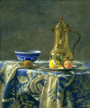 """nature morte""""La cafetière orientale""""- cafetière en cuivre avec bol bleu et un plat d'argent avec un citron et une pêche-huile sur toile de 1994 de Pierre Dominique Lafitte"""