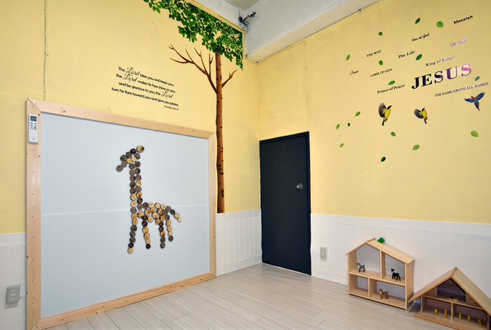 木のおもちゃルーム2.jpg