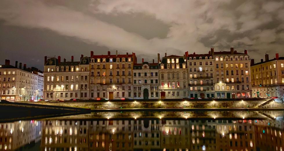 Lyon Saone Night.jpeg