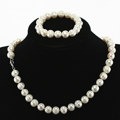 Off-Round Pearl Set