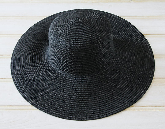 Natural straw large brimmed hat