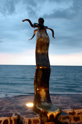 """""""La Rotunda del Mar"""" 3"""