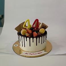 Drip Cake al cacao per 8/10 persone