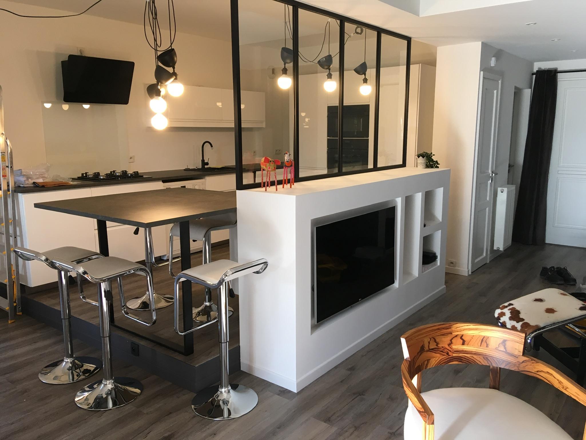 cuisine et mobilier multimédia