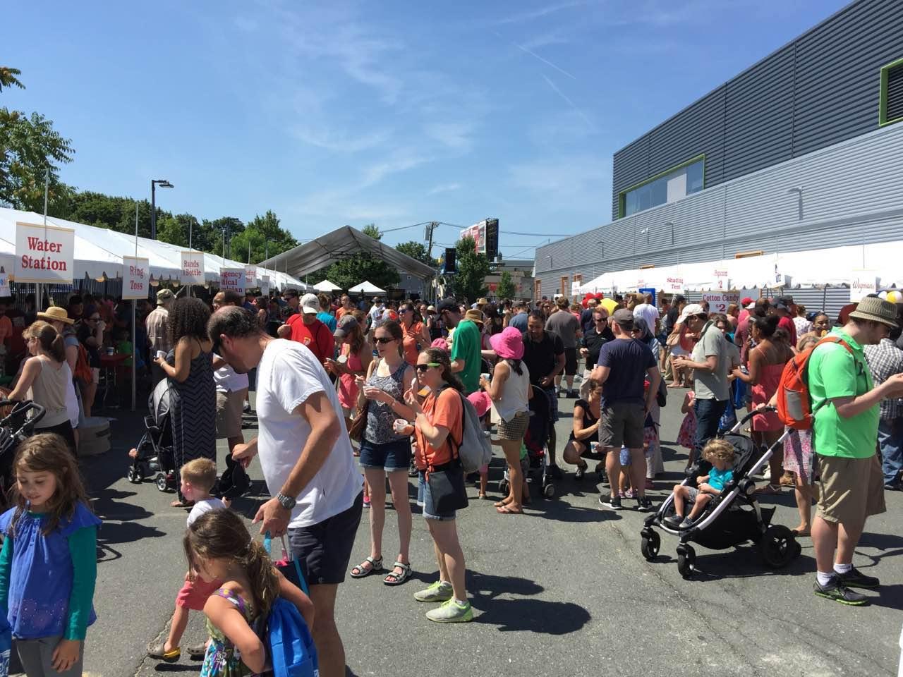3500人的波士顿嘉年华活动