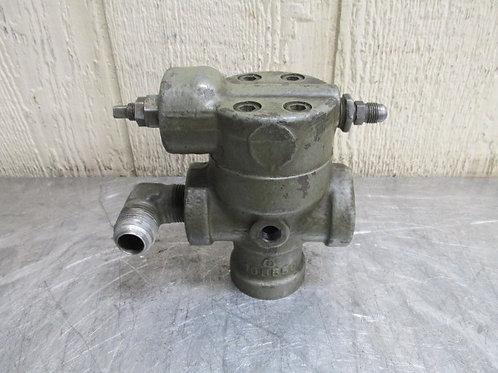 Vickers Model C2-167-B-S54 Right Angle Hydraulic Pressure Relief Valve