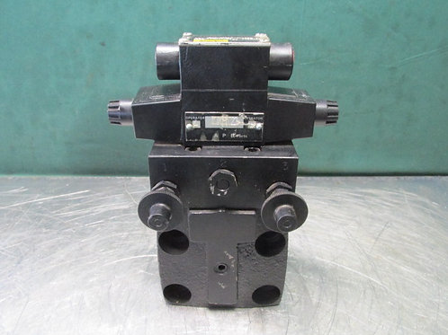Parker R10M8YFDF42X2359 Hydraulic Directional Control Solenoid Valve 120v