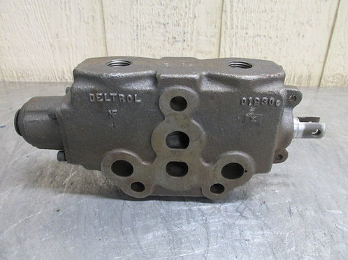 Deltrol 01930 Hydraulic Directional Control Spool Valve Section  John Deere