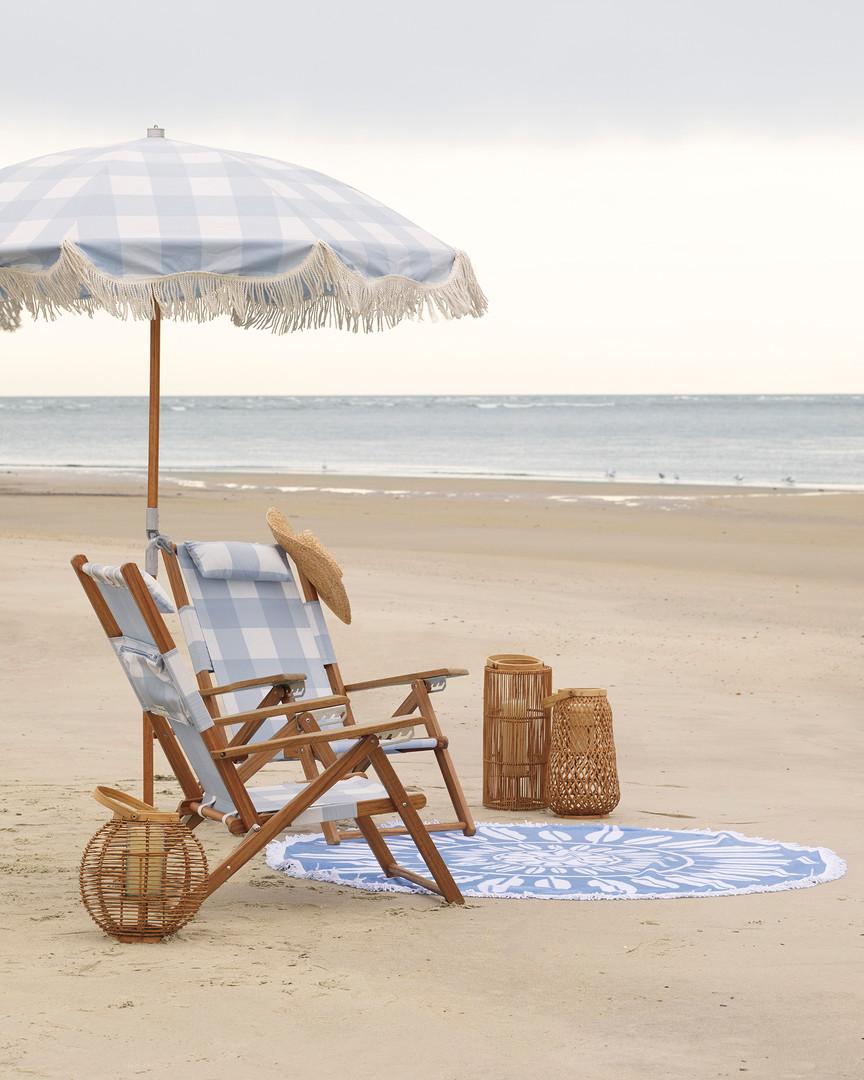 OD_Gingham_Teak_Beach_Chair_L3A1218_Crop