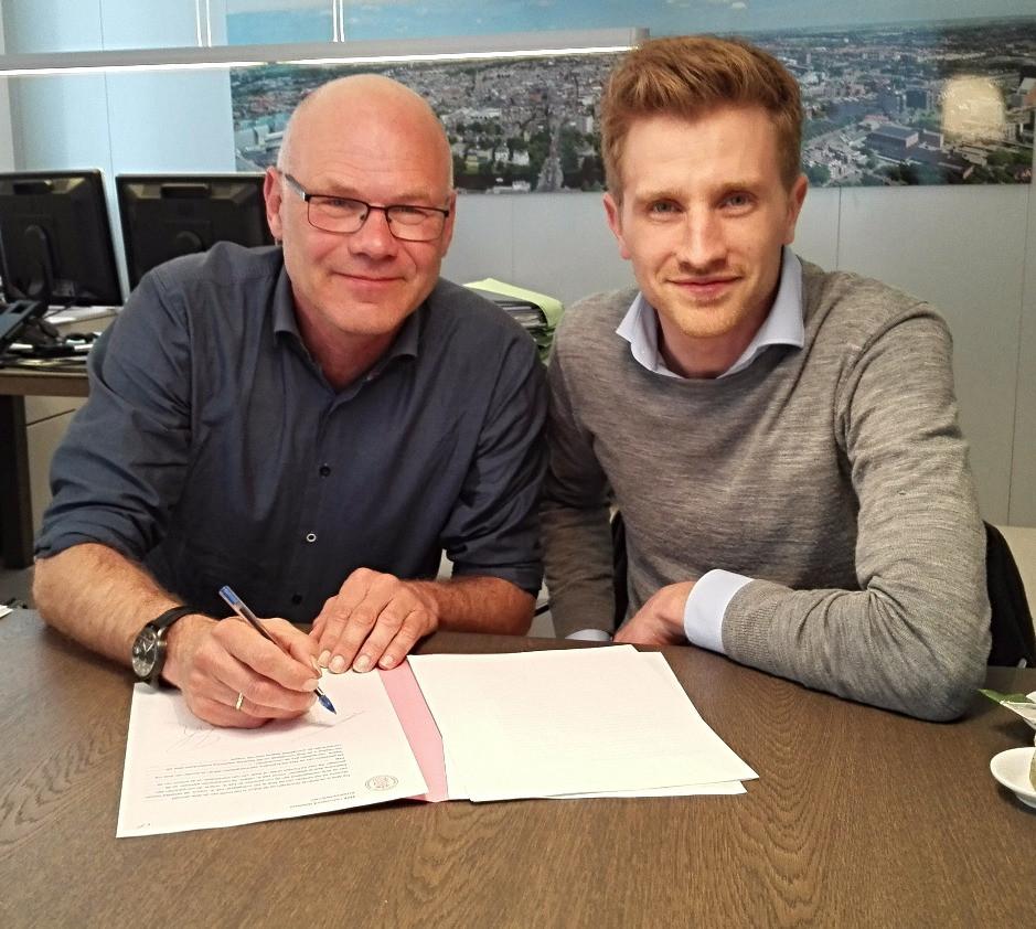 Signing shareholder agreement