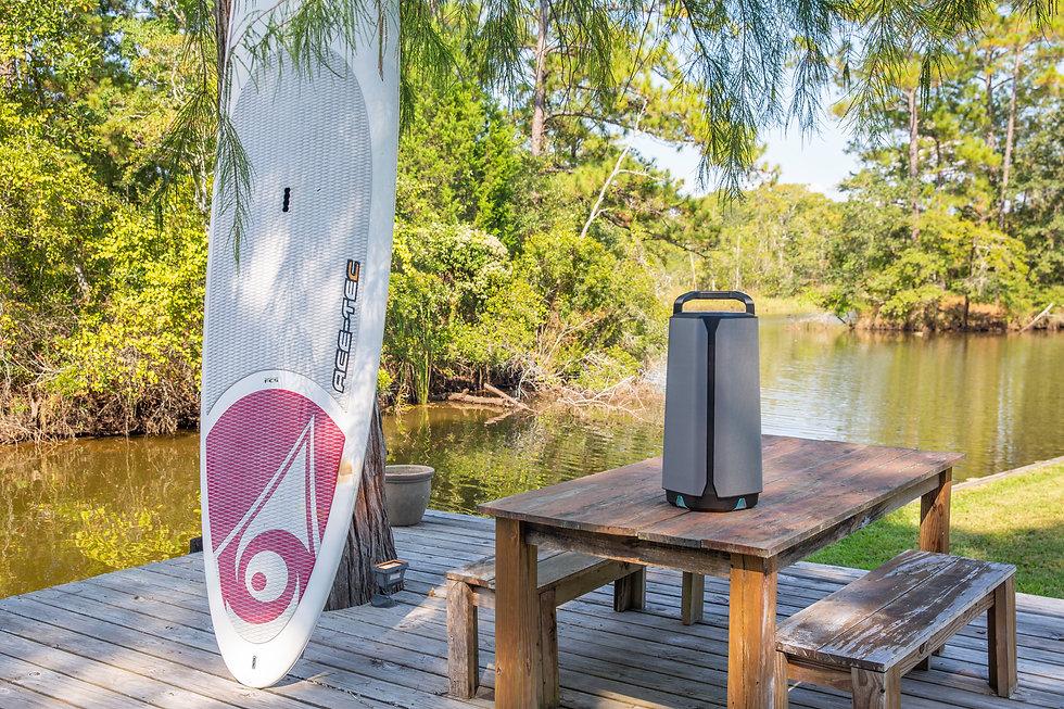 Soundcast VG7SE  Backyard on River 0r7a8066.jpg