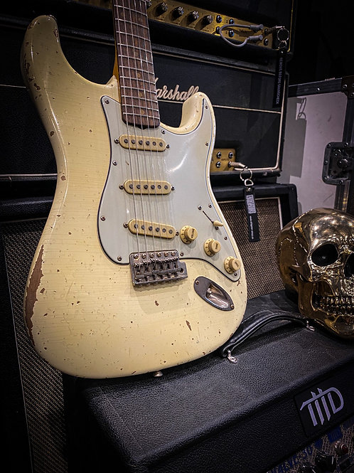Bravewood custom guitar Stratocaster