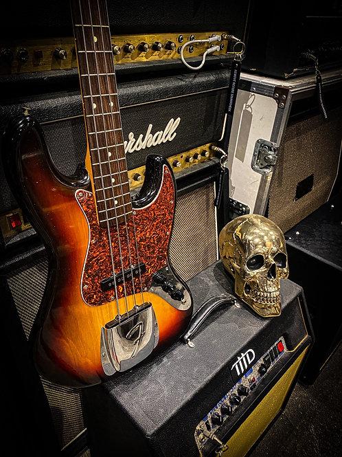 Fender Japan '62 reissue Jazz bass