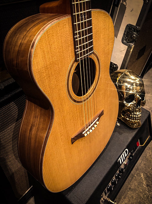 LR guitars Little Lady LL14