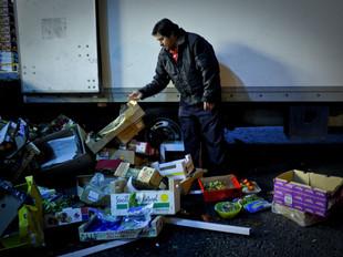 """Desperdício alimentar: """"Se deitarmos fora, não pagamos impostos. Se dermos, pagamos""""."""
