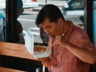 Na China, é ilegal pedir comida em excesso nos restaurantes