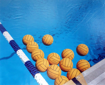 02_Water_Polo_Balls,_Practice_Pool_–_Nea