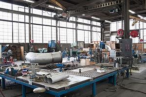 equipment-in-machine-shop-GEU59LQ.jpg