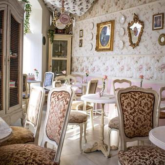 Carolina's Petit Cafe