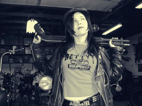 Betty Shotgun 01.jpg