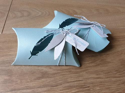 « Éole » - Boîte à dragées plume, bleu, gris et blanc