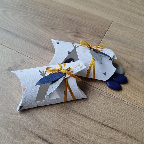 """"""" Cybèle """" - Boîte à dragées tipi, tons bleu, moutarde et gris"""