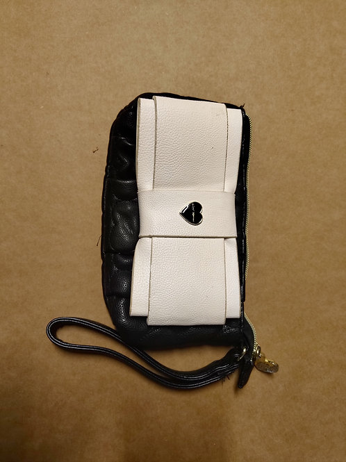 New Betsey Johnson Wristlet Zip Around Purse Hand Bag