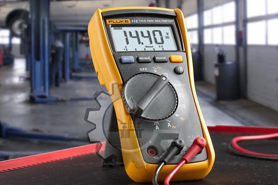 FLUKE® Multímetro Digital True RMS, 3 1/2 dígitos, CATIII 600Volt