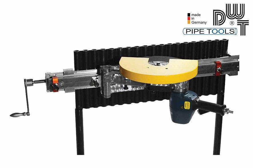 Maquina para cortar paneles de tubos DWT