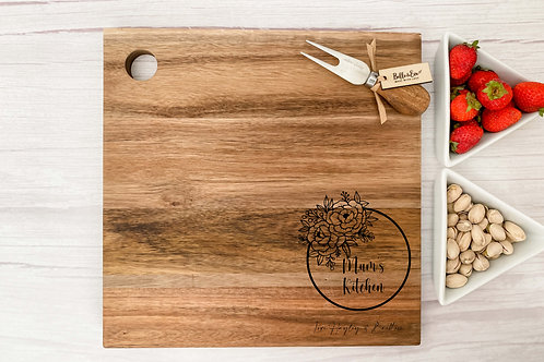 Personalised Cheese Board | Belle & Eve | Wreath Design