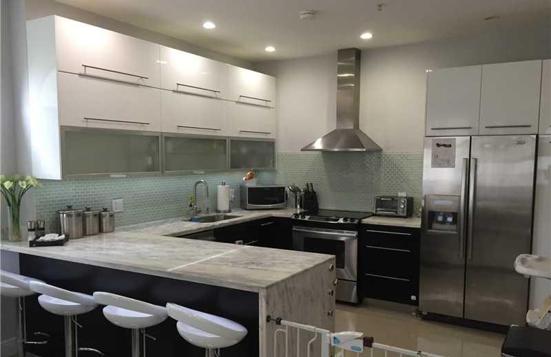 Muebles cuarzo marmol cubiertas productos y servicios for Cocinas espanolas modernas