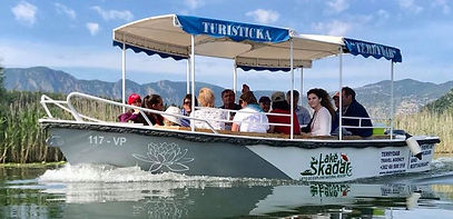 Boat trips at lake Skadar