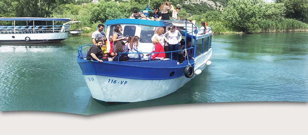 Group boat trips at lake skadar