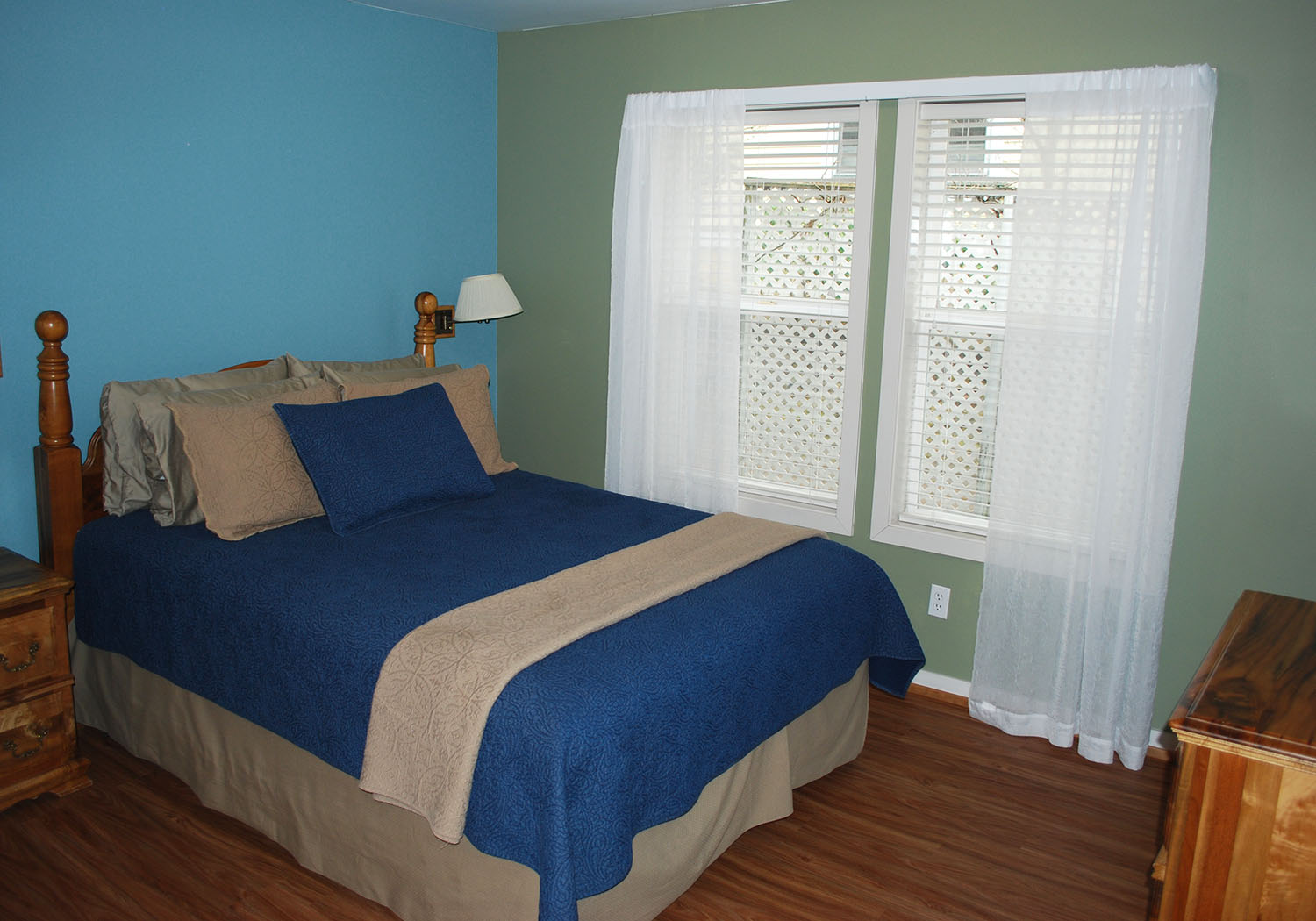 oaklawn-bedroom2