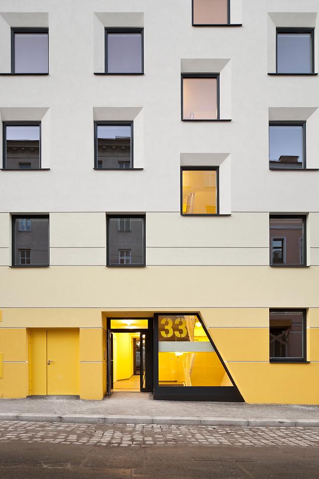 HOUSING / OA33