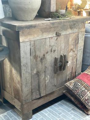 Dressoir oud hout 2-deurs