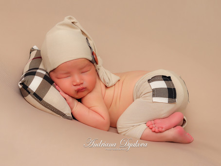 San Diego & Orange County Newborn Photographer: The Benefits Of In-Home Newborn Photography Sessions