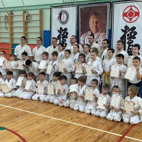 Первый экзамен юных каратистов