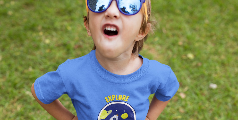 Girl with explore dream big printed tee