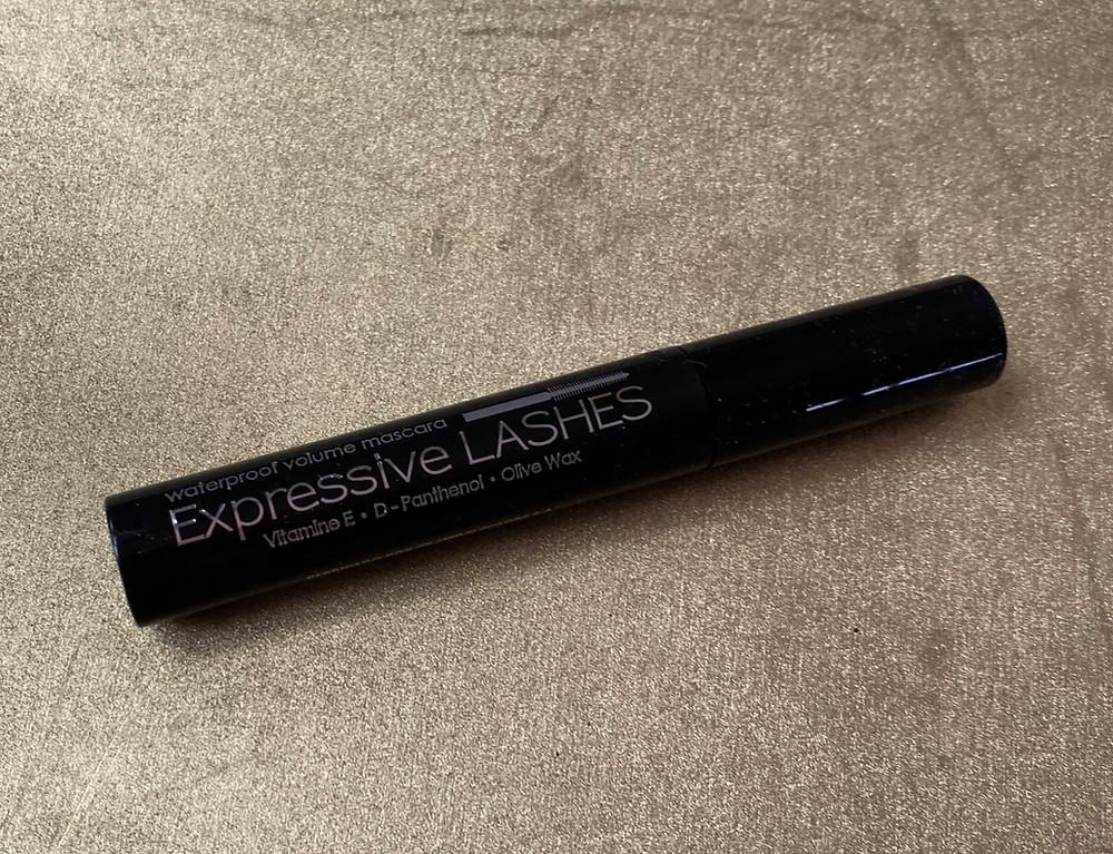 Expressive lashes - Ana María