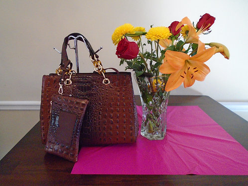 Diva Everyday Handbag With Matching Wallet/Brown