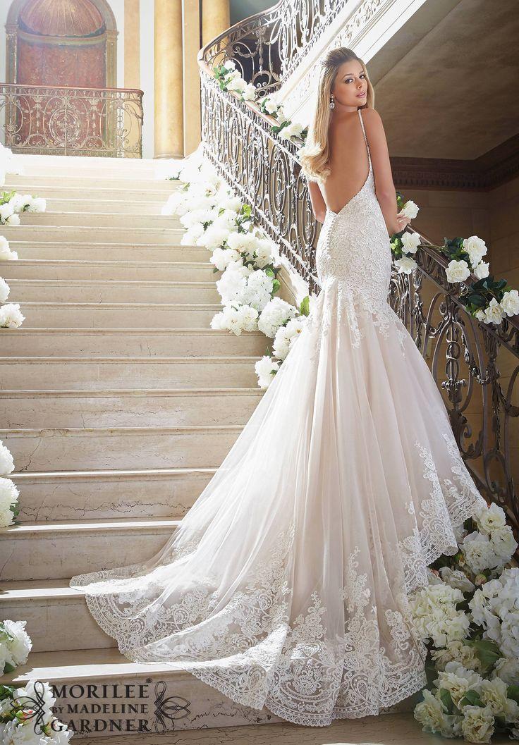 38c103fbb4dc54ca4afb83d1efc0eae9--lace-bridal-gowns-wedding-gowns