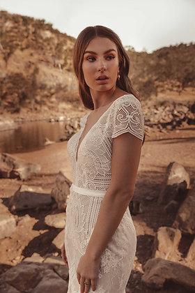White April Byron (WA6094)
