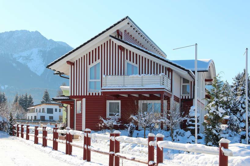 Ferienhaus im Winter.jpg