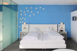 fmk Standardzimmer modern blau