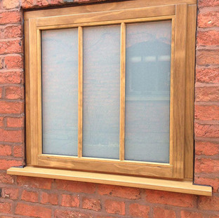 Frosted glass / solid oak