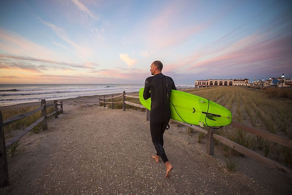 01-101215_Surfing_Carroll.2e16d0ba.fill-
